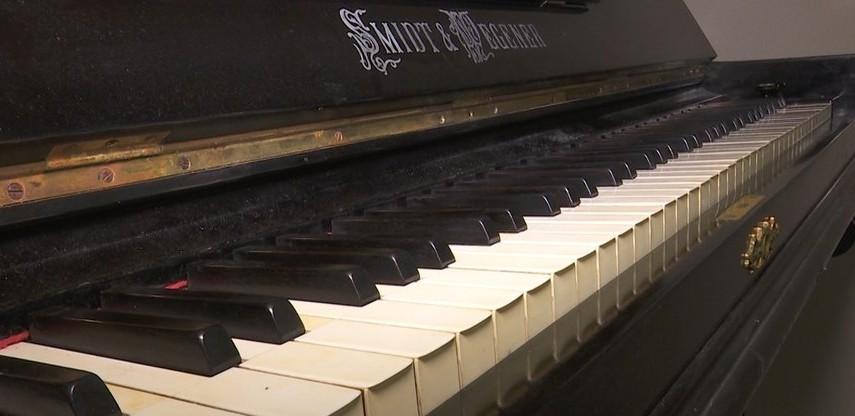 піаніно_музей Дніпра