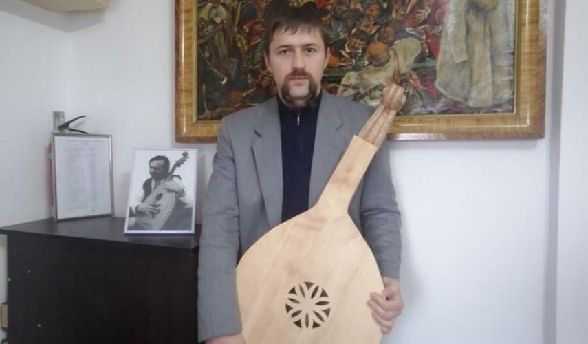 Павло Різник_бандурист