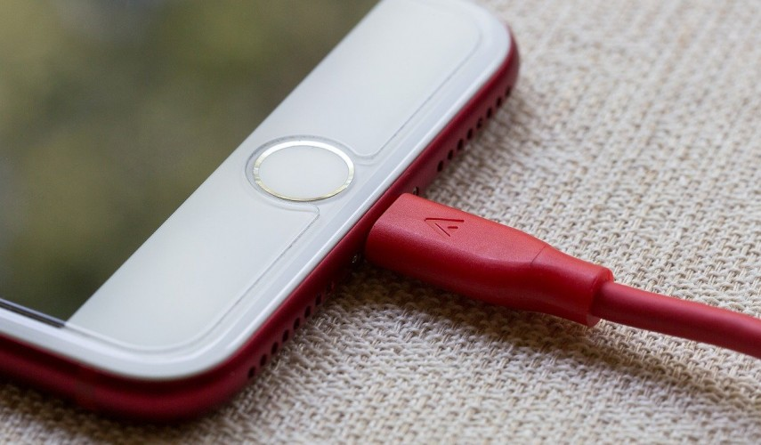 смартфон зарядка
